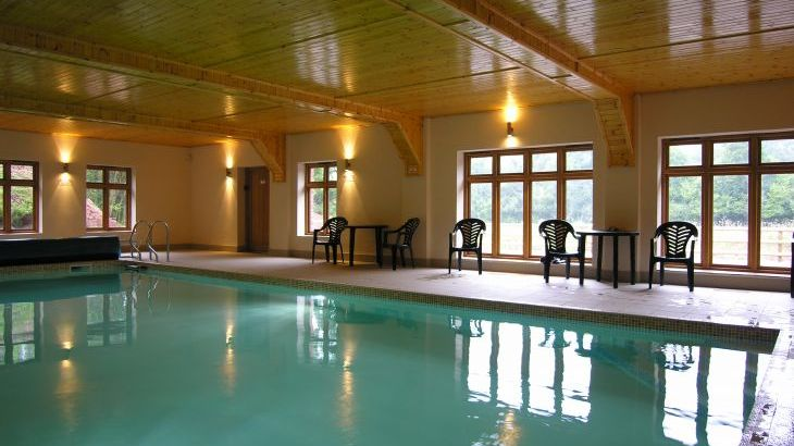 Duddings Country Cottages, sleeps  18,  Photo 4