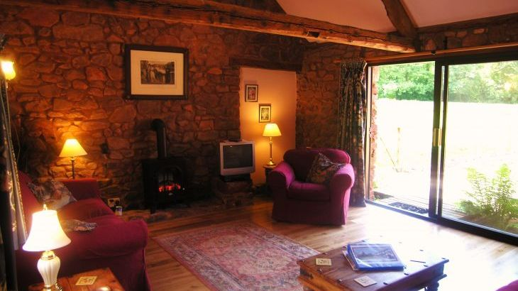 Duddings Country Cottages, sleeps  18,  Photo 5