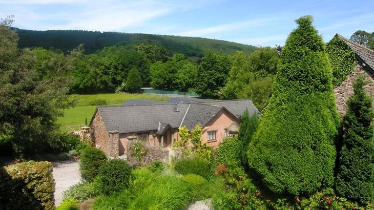 Duddings Country Cottages, sleeps  18,  Photo 8