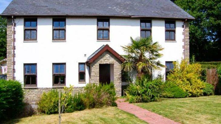 Dyffryn House, Kidwelly, South Wales , sleeps  12,  Photo 1