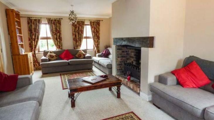 Dyffryn House, Kidwelly, South Wales , sleeps  12,  Photo 11