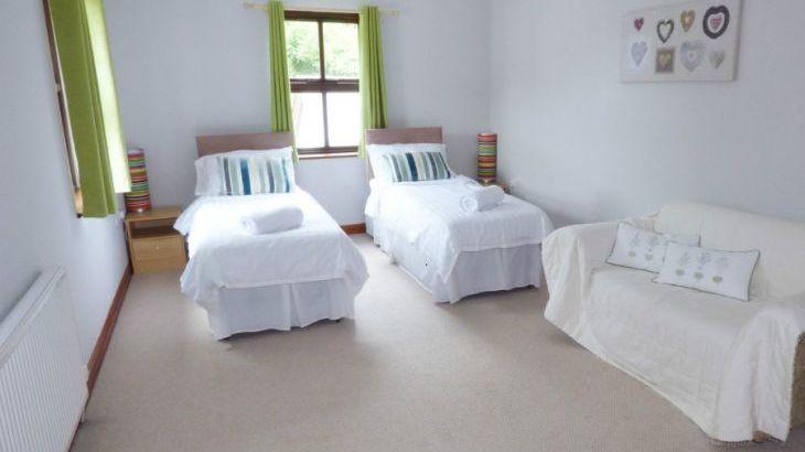 Dyffryn House, Kidwelly, South Wales , sleeps  12,  Photo 21