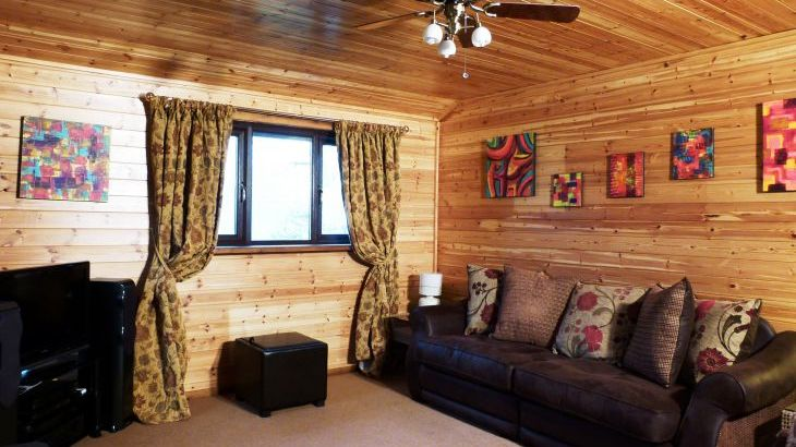 Milk Wood Lodges: Wnion Wood - Photo 3