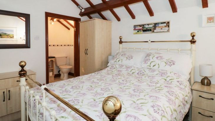 The Little White Pet-Friendly Holiday Cottage, North Wales  - Photo 1