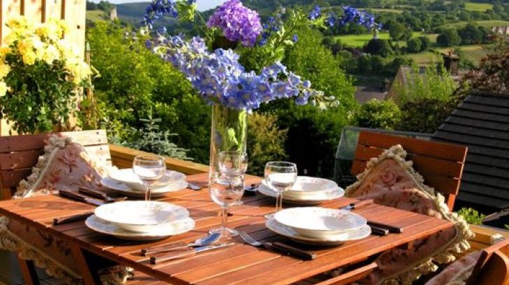 Little Larsas Retreat - specialising in mid-week & weekend breaks - Main Photo