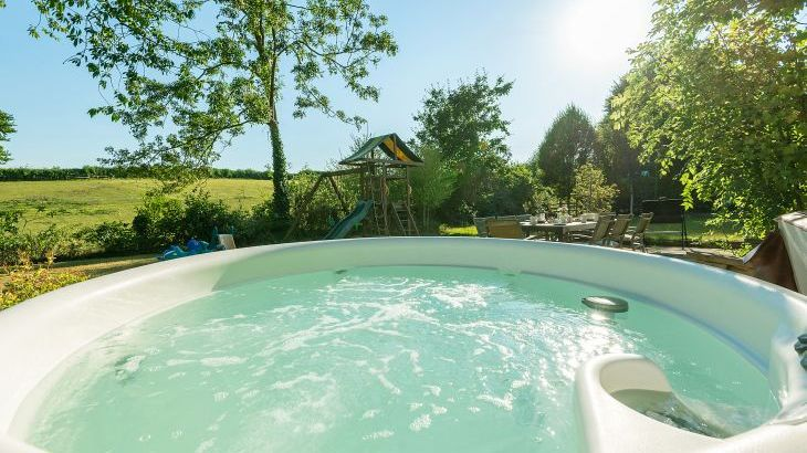 Cherry Tree Farmhouse with hot tub and pool - Photo 22
