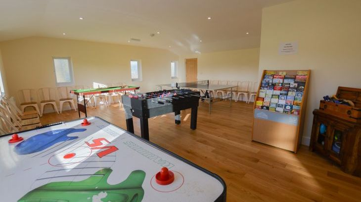 The Cotswold Manor Lodge, Exclusive Hot-Tub, Games/Event Barns, 70 acres of Parkland - Photo 19