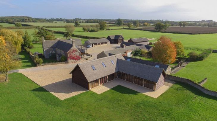 The Cotswold Manor Barn, Exclusive Hot-Tub, Games/Event Barns, 70 acres of Parkland - Photo 9