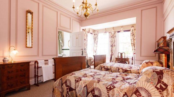 Skendleby Hall, sleeps  26,  Photo 9