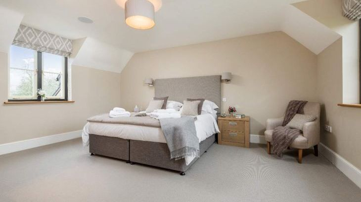 Sleeps 10+1, 5* High Spec, Luxury, House with free WiFi,private driveway, games room, amazing garden and Sonos System - Photo 1