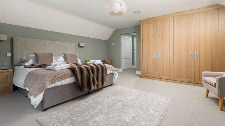 Sleeps 10+1, 5* High Spec, Luxury, House with free WiFi,private driveway, games room, amazing garden and Sonos System - Photo 7