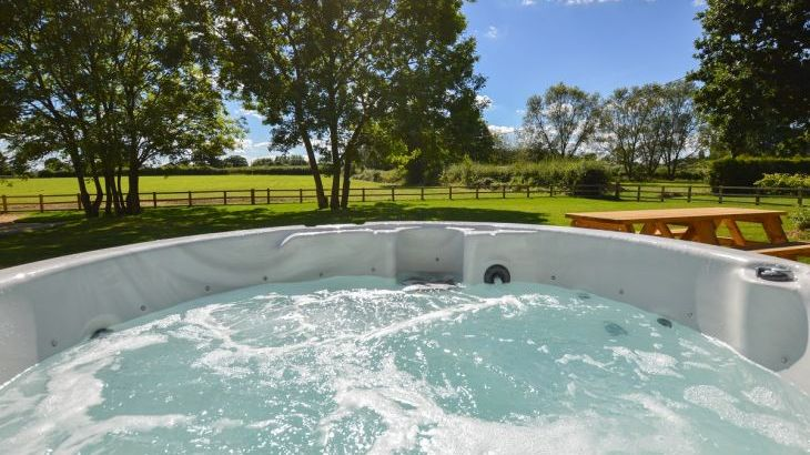 The Cotswold Manor Vineyard, Exclusive Hot-Tub, Games/Event Barns, 70 acres of Parkland - Photo 1