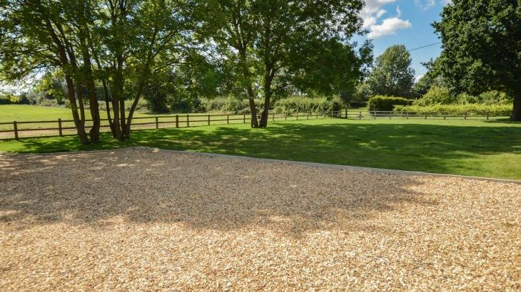 The Cotswold Manor Vineyard, Exclusive Hot-Tub, Games/Event Barns, 70 acres of Parkland - Photo 14