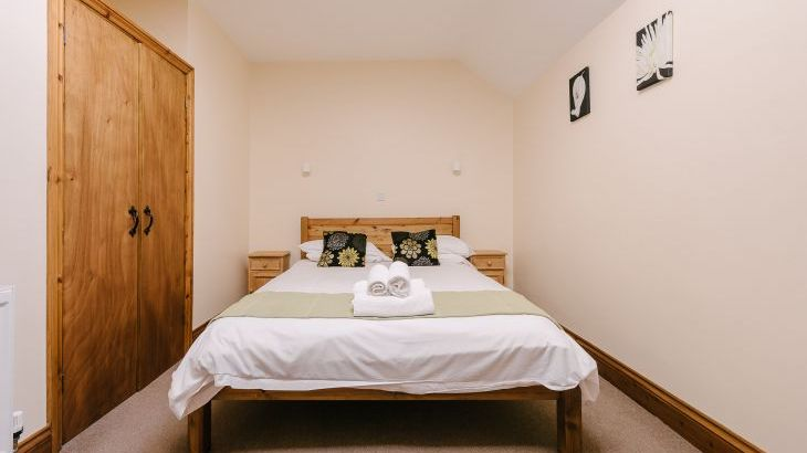 The Victorian Barn Self Catering Holidays with Pool & Hot Tubs, Dorset. - Photo 5