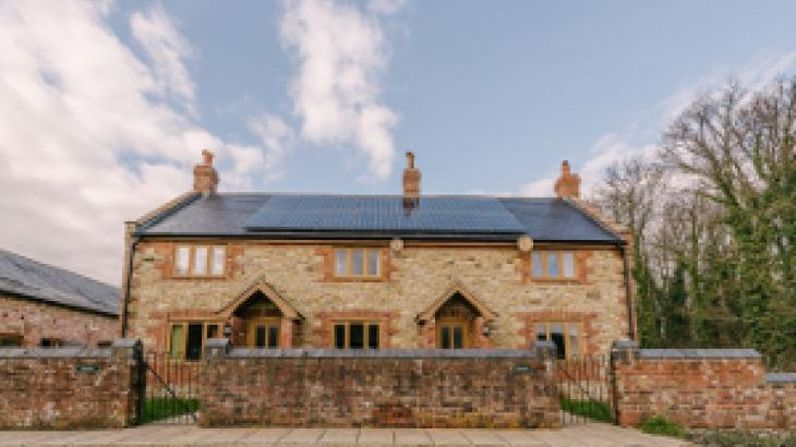 The Victorian Barn Self Catering Holidays with Pool & Hot Tubs, Dorset. - Photo 20