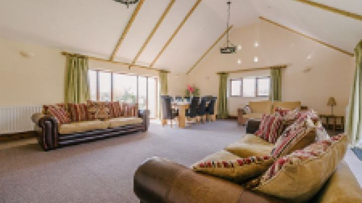 The Victorian Barn Self Catering Holidays with Pool & Hot Tubs, Dorset. - Photo 23