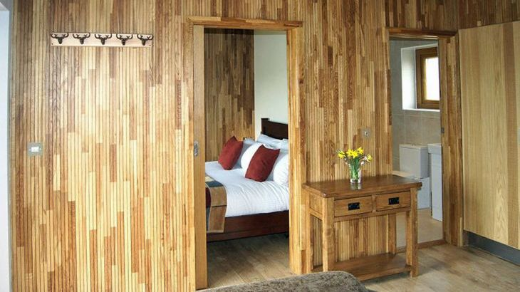 Luxury lodges with private hot tubs and a view of the Chilterns - Photo 3