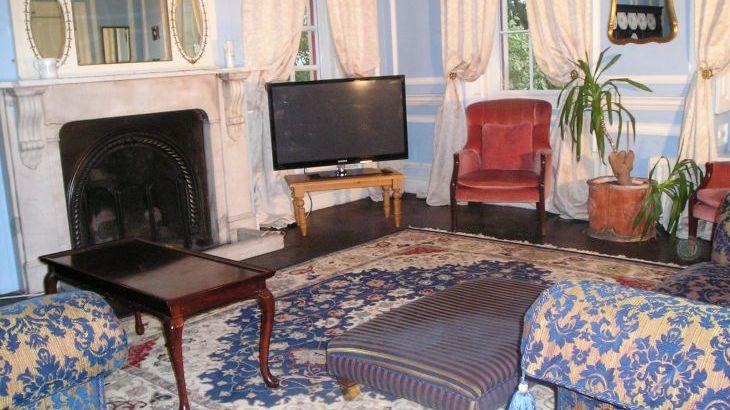 Chelwood House, sleeps  33,  Photo 9