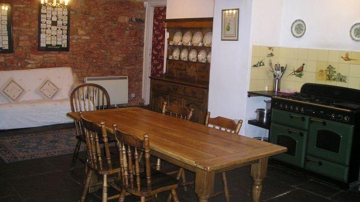 Chelwood House, sleeps  33,  Photo 8