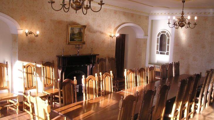 Chelwood House, sleeps  33,  Photo 7