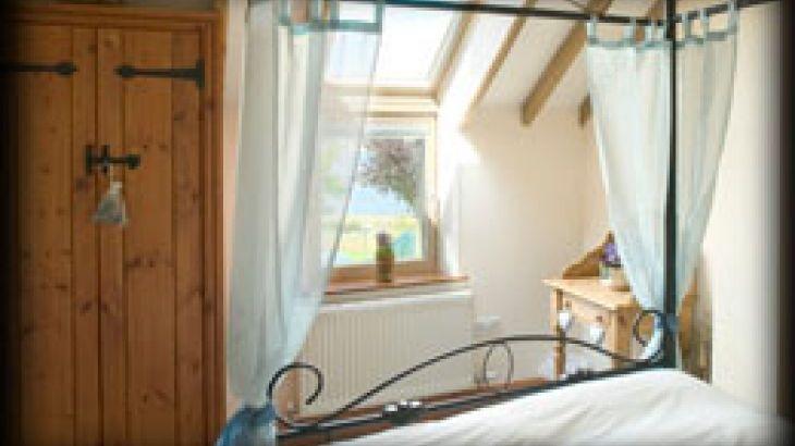 Blithfield Lakeside Barns, sleeps  32,  Photo 16