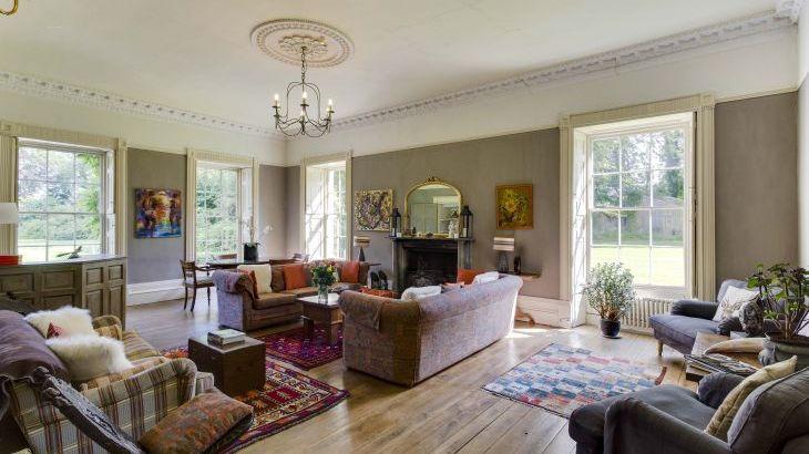 Glansevin Mansion, sleeps  56,  Photo 6