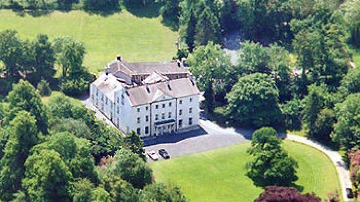 Glansevin Mansion, sleeps  56,  Photo 13