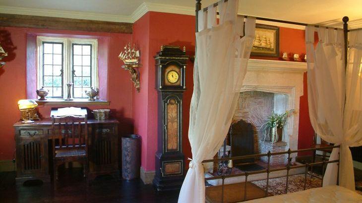 The old Manor, sleeps  31,  Photo 12