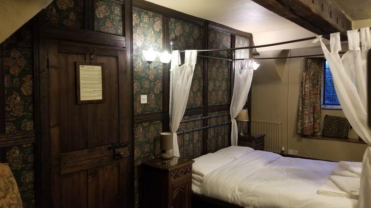 The old Manor, sleeps  31,  Photo 32