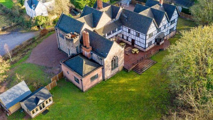 The Manor on the Monnow, sleeps  24,  Photo 32