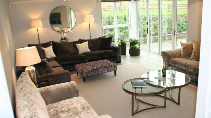 Sleeps 10 property with WOW Factor! Luxurious, Modern, High Quality, Amazing House - Photo 32