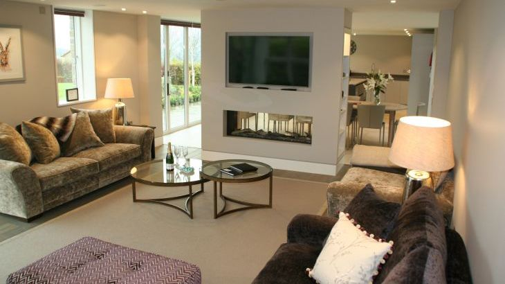 Sleeps 10 property with WOW Factor! Luxurious, Modern, High Quality, Amazing House - Photo 33