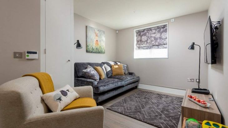 Sleeps 10 property with WOW Factor! Luxurious, Modern, High Quality, Amazing House - Photo 12