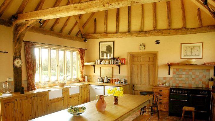 Tudor Barn, sleeps  30,  Photo 13