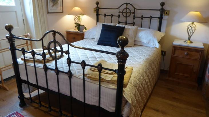 Large luxury Peak District  self catering Cottages sleeping 10 to 16 - Photo 8