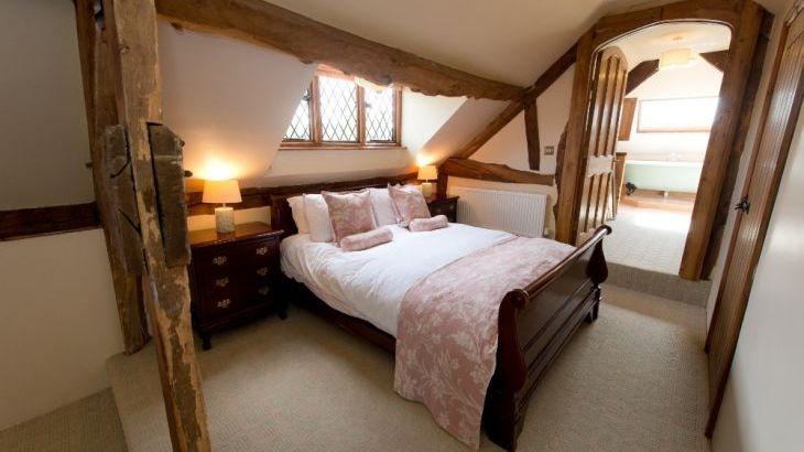 The Manor House, sleeps  28,  Photo 22