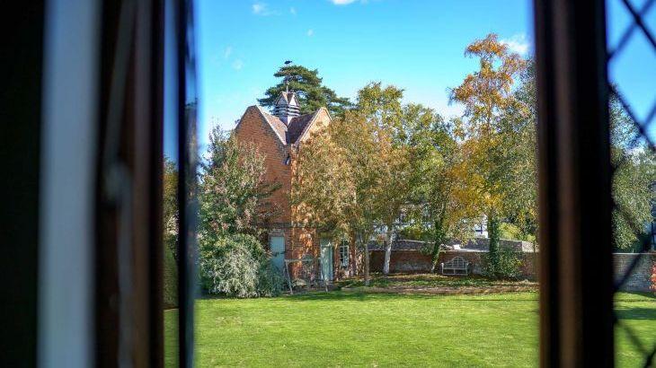 The Manor House, sleeps  28,  Photo 35