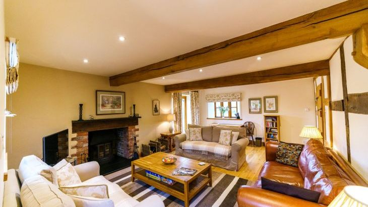 5* Beautiful,Clean,Cottage with Free Parking, WiFi, games room and lovely garden - Photo 16