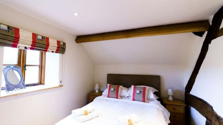 5* Beautiful,Clean,Cottage with Free Parking, WiFi, games room and lovely garden - Photo 8