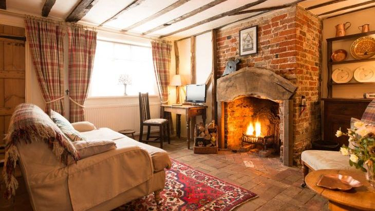 Spadgers Cottage With Open Fire Long Melford Suffolk