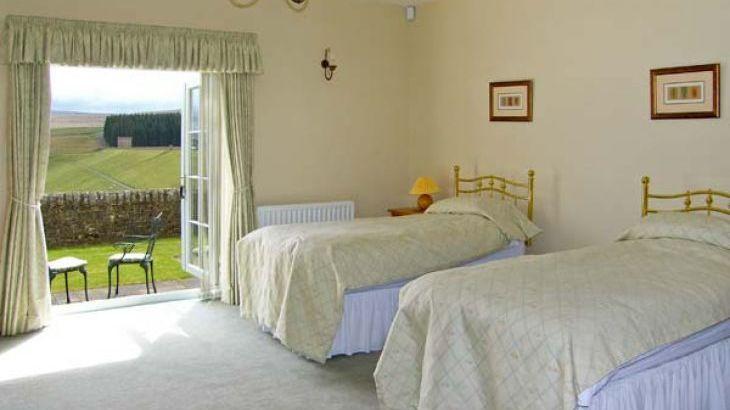 Burnhope Holiday Lodge, sleeps  18,  Photo 12