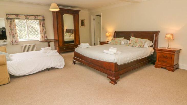 Hoath Country House, sleeps  26,  Photo 43