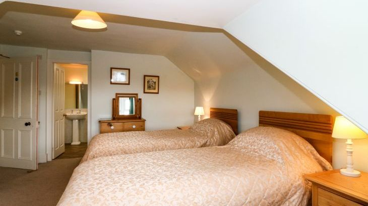 Inverallan House dog friendly holiday cottage, Highlands And Islands , sleeps  15,  Photo 27