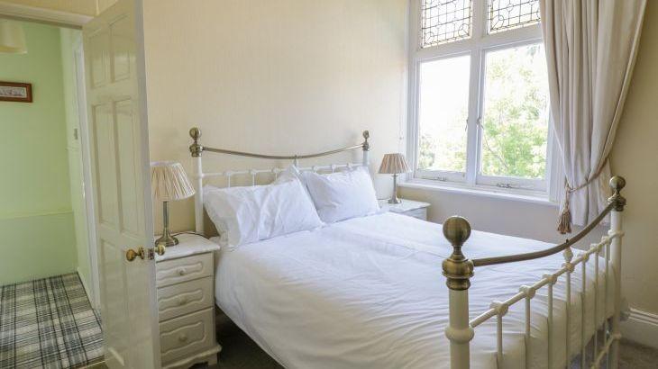 Norton Grange Manor House, sleeps  16,  Photo 19