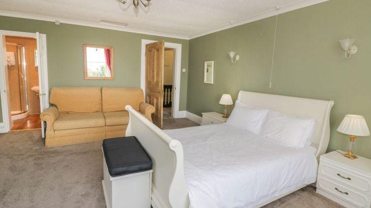 Norton Grange Manor House, sleeps  16,  Photo 27