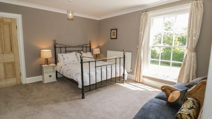 Norton Grange Manor House, sleeps  16,  Photo 30