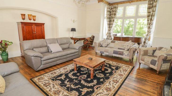 Norton Grange Manor House, sleeps  16,  Photo 7