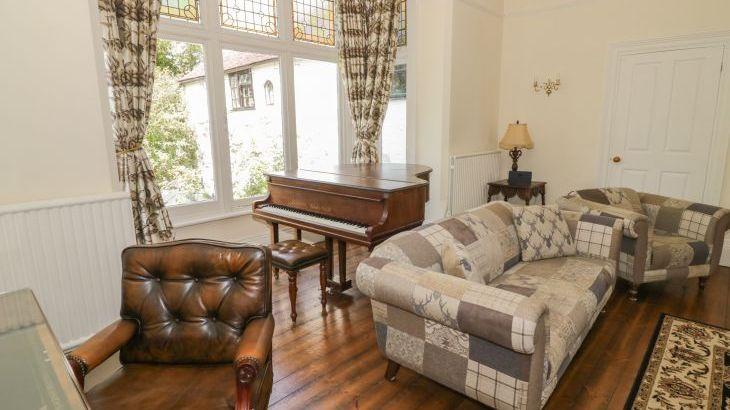 Norton Grange Manor House, sleeps  16,  Photo 8