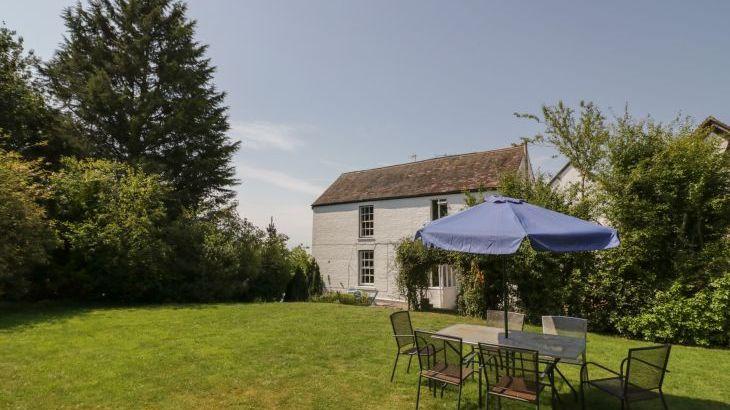 Norton Grange Manor House, sleeps  16,  Photo 47
