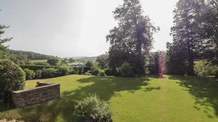 Croft Country Estate, sleeps  24,  Photo 36